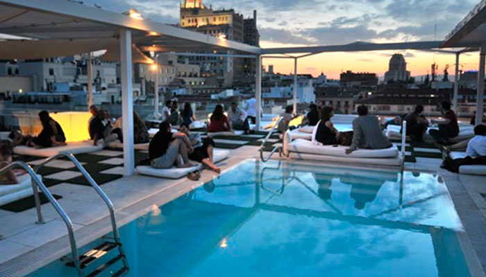 Best Rooftop Outdoor Swimming Pool In Central Madrid Madrideando