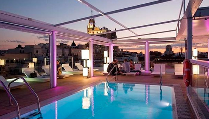 Best rooftop outdoor swimming pool in central madrid Best hotels in central madrid